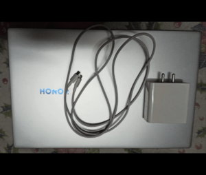 Honor MagicBook 15 - A MacBook Killer with Ryzen 5 ? - Review